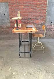 Steel Pipe Desk Wood Pallet And Metal Pipe Desk Pallet Furniture Diy