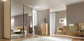 miroir dans chambre cuisine indogate miroir de chambre a coucher placard en bois pour
