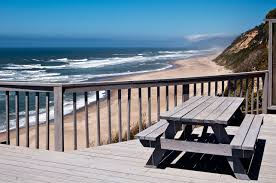 the submarine beach house rental a1 beach rentals lincoln city