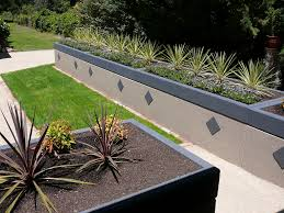 Retaining Wall Garden Bed by Raised Garden Beds Water Tank Stunning