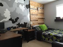 Pallet Furniture Living Room Barn Board Headboard Camouflage Wall In Boys Room Rustic Boys