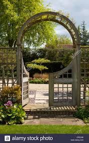 garden gate arch stock photos u0026 garden gate arch stock images alamy