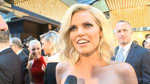 Hit The Floor Reviews - sophie monk u0027s feud with yumi stynes revealed