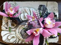 Corsage And Boutonniere Cost Prom Corsages