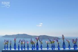 diy santorini wedding decor in blue u0026 purple tie the knot in