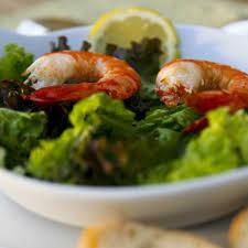 vapeur cuisine recette salade de gambas à la vapeur de curry cuisine madame figaro