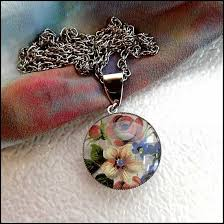 glass flower necklace images Vintage jewelry blog retro vintage home decor april 2013 jpg