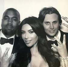 Kim K Wedding Ring by Kim Kardashian Flaunts Her Wedding Ring In Happy Pic With Kanye
