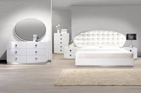 Lacquer Bedroom Set by Showroom Quality Furniture At Warehouse Prices France White