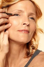 Haircuts That Make You Look Younger Makeup Techniques For Younger Eyes How To Look Younger With Makeup