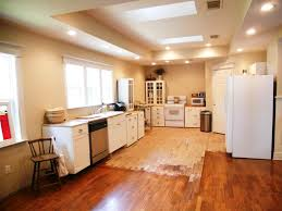 is only used overhead kitchen lighting correctly