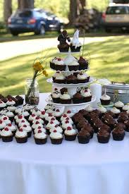 wedding cake and cupcake ideas vegan wedding cupcakes s