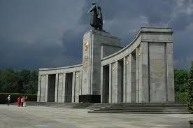 Soviet Union Flag Ww2 Berlin World War Ii Ussr Soviet Union Monument Walldevil