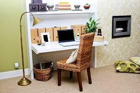 dans un bureau aménager un petit espace avec un bureau 20 idées originales