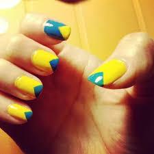 yellow nail art nails10