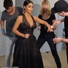 Make Up Classes In Va Kim Kardashian U0027s Make Up Artist Reveals His Favorite Drugstore