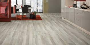 laminat in der küche laminat in grau grauer laminatboden logoclic