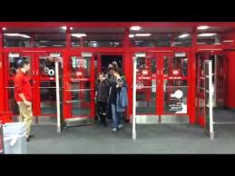 bloomingdale target black friday ad black friday shoppers at target in marion illinois youtube