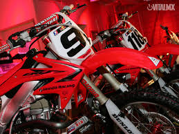 motocross racing wallpaper honda red bull racing 2008 honda red bull racing wallpaper