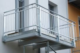 balkone aluminium terrassen balkone und sichtschutz windschutz kunstschmiede lange
