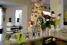 christmas decorations for kitchen cabinets are we in the north pole a christmas kitchen christmas decorating