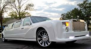 rolls royce limo this 10 12 passenger white rolls royce is ready to be reserved at
