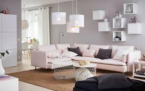 Coussin Fourrure Ikea by Table De Rangement Kvistbro Coloris Blanc H 61 Cm 49 Euros