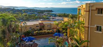 airlie beach holiday accommodation toscana village resort airlie