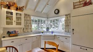 corner kitchen windows for cozy kitchen lighting