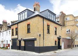 Exceptional London Mews House by Jonathan Reed