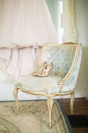 Shabby Chic Furniture For Sale by Best 25 Shabby Chic Chairs Ideas On Pinterest Refurbished