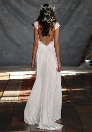 robe de mariã e dentelle dos de mariage dos nu