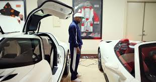 pacquiao car collection boxer floyd mayweather buys 100 cars from one dealer
