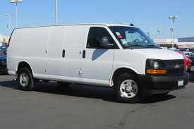 pre owned 2017 chevrolet express 2500 work van 3d extended cargo