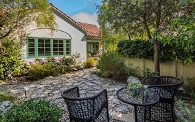 Backyard Guest Cottage Fleetwood Mac Bassist John Mcvie Sells Spanish Cottage In