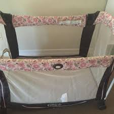 Pink And Brown Graco Pack N Play With Changing Table Find More Reduction Graco Pack N Play With Carrying Bag In