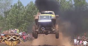Ford Mud Trucks Gone Wild - these trucks jumping and crossing the mud are total madness gt