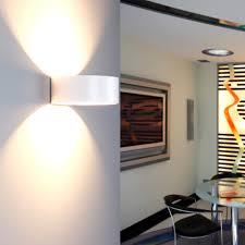 Indirekte Beleuchtung Wohnzimmer Wand Wandlampe Indirekte Beleuchtung Angenehm Auf Wohnzimmer Ideen Auch