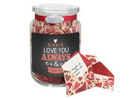 best valentines gifts 14 best s day gifts reader s digest