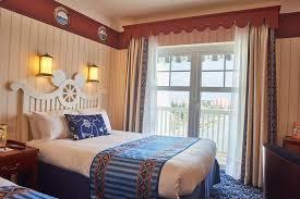 disneyland hotel chambre disney s newport bay chessy ฝร งเศส booking com