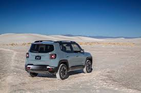 jeep renegade trailhawk blue jeep renegade 2016 motor trend suv of the year contender