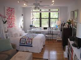 Furnish Small Bedroom Look Bigger How To Make Your Bedroom Look Cool Big Small Room Solutions Diy