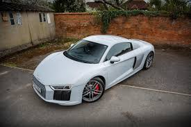 Audi R8 White - 2017 audi r8 v10 review a properly fast everyday supercar