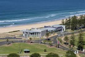 Beach House Wollongong - restaurant dining cafe or bar with a view in australia