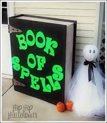 Clever Outdoor Halloween Decorations by 33 Best Book Projects Images On Pinterest Book Projects Books