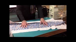 how to make a table runner with pointed ends 10 minute table runner tutorial at keepsake cottage fabrics youtube