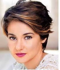 25 beautiful short haircuts for round faces short layered