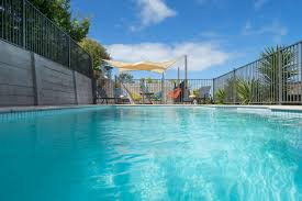 sea breeze with sparkling pool holiday house rye mornington