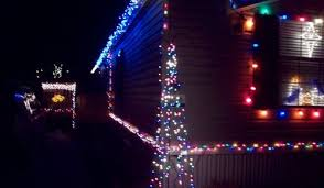 Some Christmas Decorations - what r some easy christmas decorations for outside porch or deck