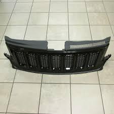 srt8 jeep black 2011 2013 jeep grand cherokee srt8 only wk black front grille